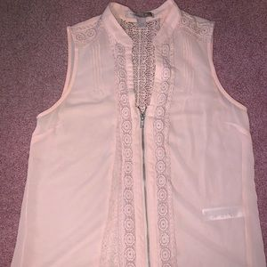 Rose tank with embroidery